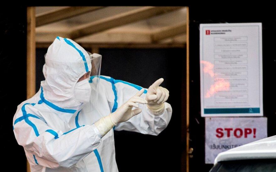 Presidential aide: pandemic may peak in 7-14 days