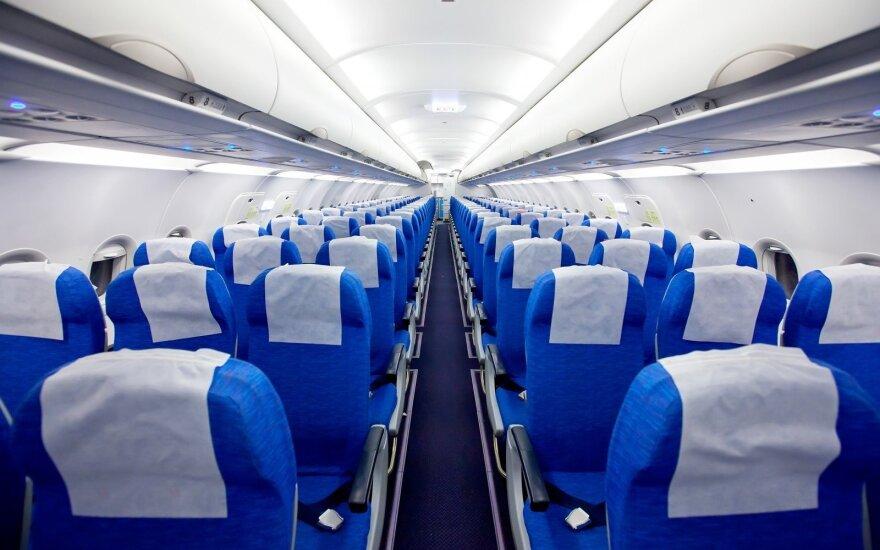 Kodėl daugumos lėktuvų sėdynės yra mėlynos?