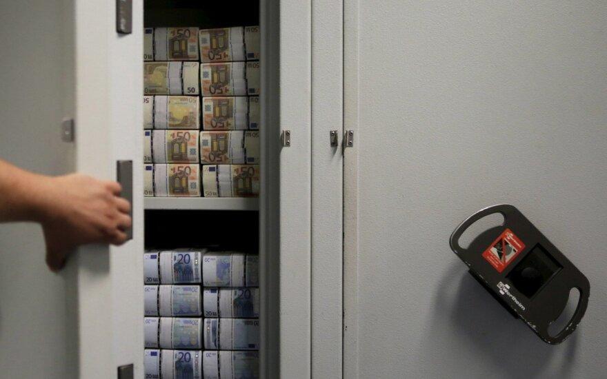 Euras dolerio atžvilgiu nusmuko iki penkių savaičių minimumo