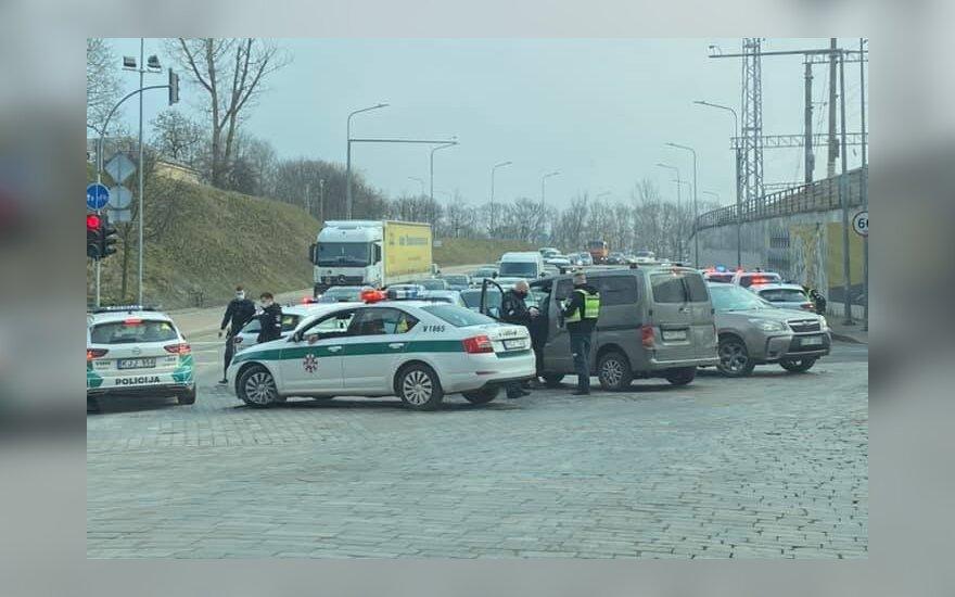 Rumšiškėse avariją padaręs bėglys sulaikytas Vilniuje: sustabdė tik smūgis, vairuotojas blaivus