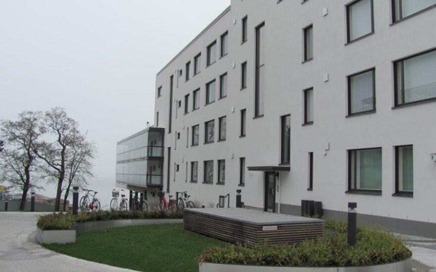 """""""YIT Kausta"""" statytas namas Helsinkyje. Šio namo patalpų vėsinimo sistema naudoja Jūros vandenį"""