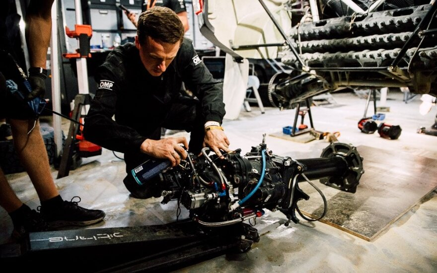 Benedikto Vanago Toyota Hilux greičių dėžė