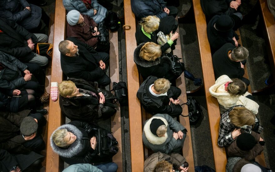 Keistas įvykis bažnyčioje privertė susimąstyti, kaip elgtis toliau