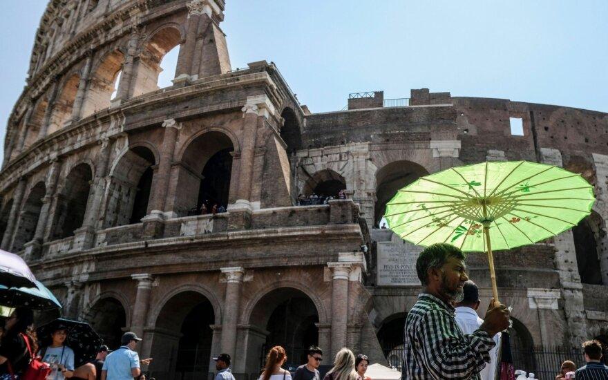 Europa sulaikiusi kvėpavimą laukia sprendimo dėl Italijos: gali baigtis blogiau nei su Graikija
