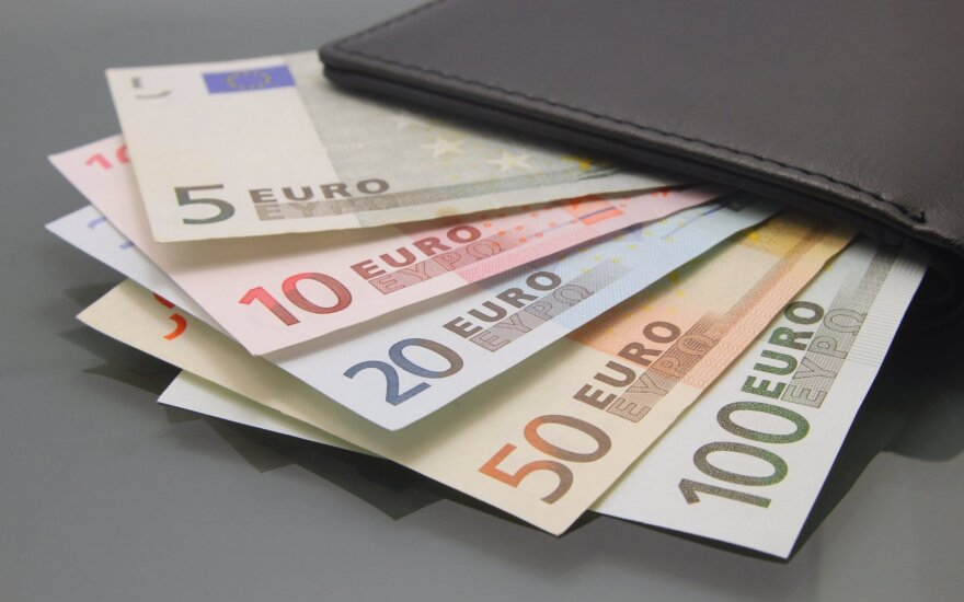 Kur investuoti turint vos 5, iki 10 ar net 100 eurų?
