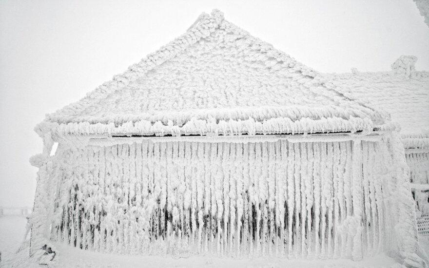 Apšalęs namas/ asociatyvi nuotr.