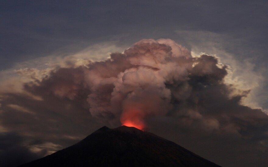 Agungo ugnikalnio išsiveržimas