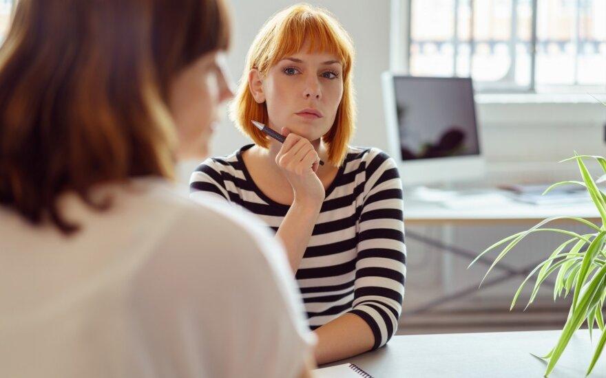 """<span style=""""color: #ff0000;"""">R.I.T.A.</span> Savivaldybės įstaigoje – šokiruojantis elgesys su darbuotojais: pokalbį su direktore teko įsirašyti"""