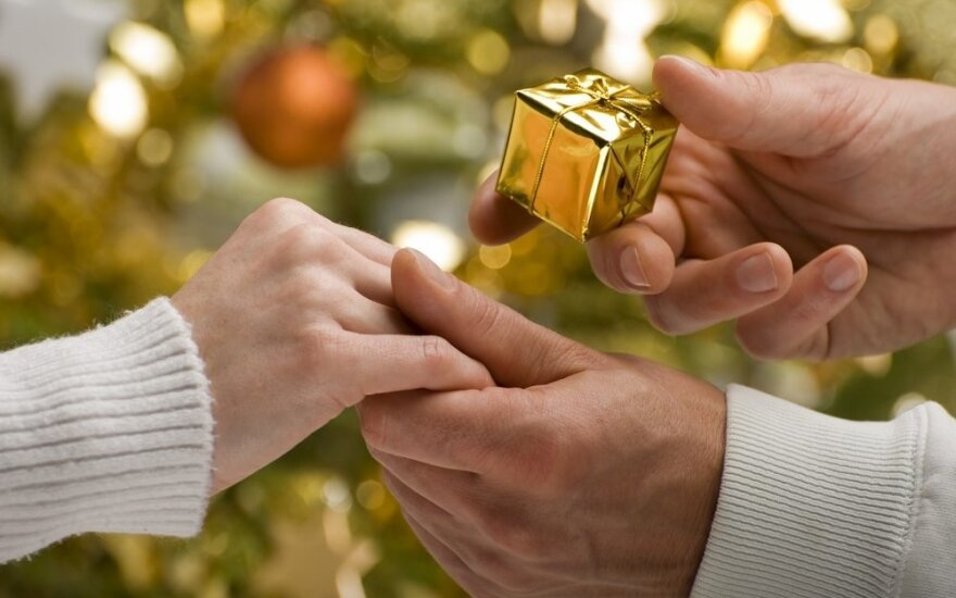 Ženklai, kurie išduos ar per Kalėdas jis pasipirš