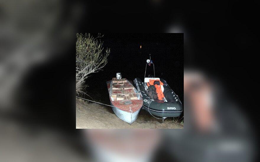 Pareigūnų sulaikyta kontrabanda valtyje