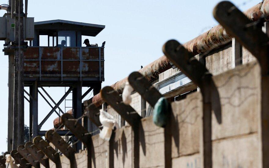 Čilė suteiks malonę 1 300 kalinių, kuriems kyla didelė rizika užsikrėsti koronavirusu