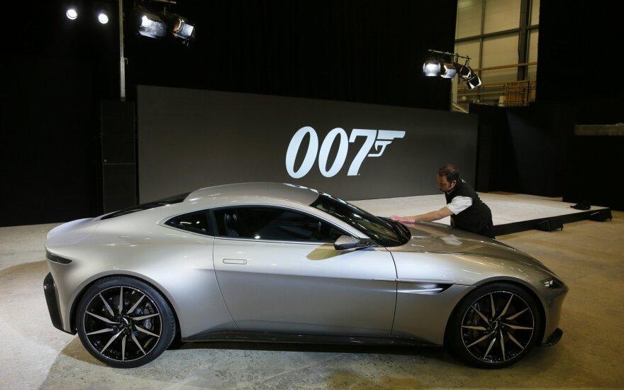 Spekuliantai pelnosi krentant Džeimso Bondo automobilio gamintojo akcijoms