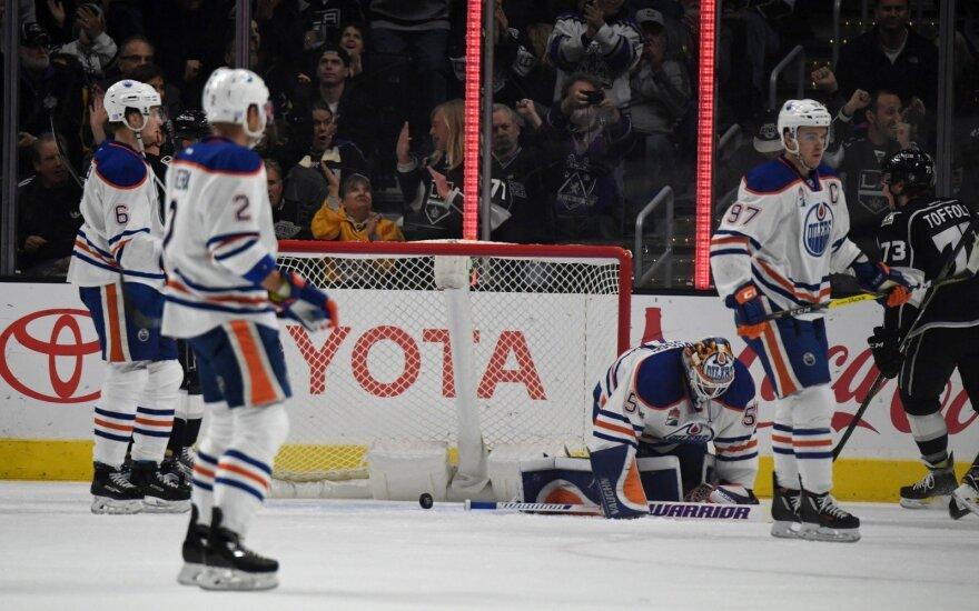 """NHL: """"Oilers"""" pralaimėjo penktą kartą iš eilės"""