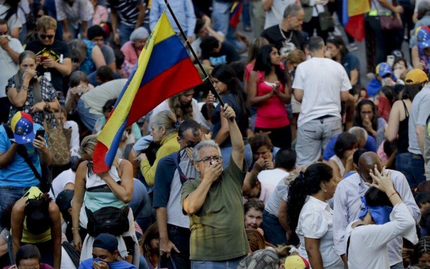 Juano Guaido remėjai Karakase