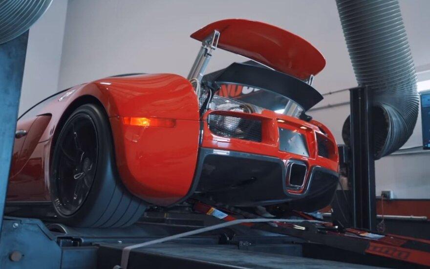 """Nusprendė pamatuoti, kiek galios turi """"Bugatti Veyron"""""""