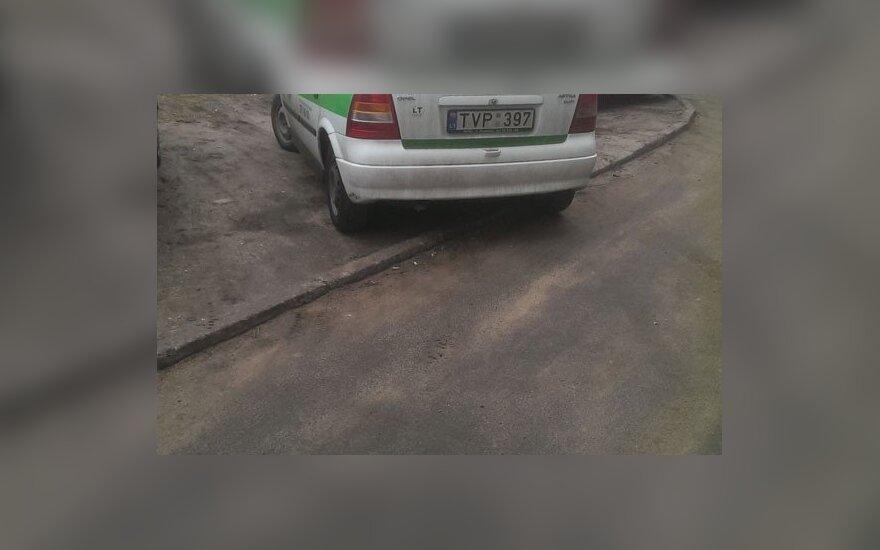 """Savaitės """"Baudos kvitas"""": mano automobilis - mano taisyklės"""