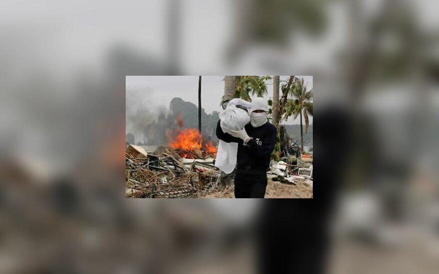 Tailande nespėjama laidoti cunamio aukų
