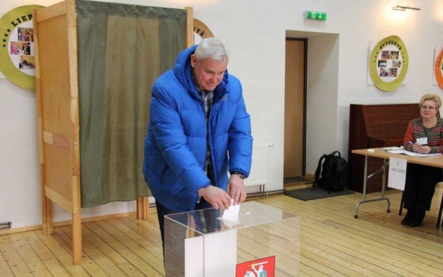Klaipėdos mero rinkimuose balsuoja V. Grubliauskas