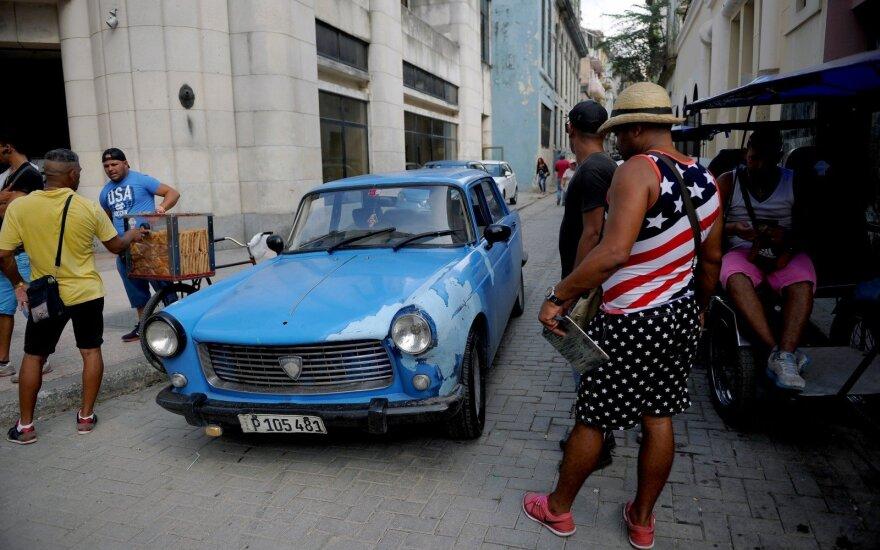 D. Trumpas ketina pakeisti dalį Kubos politikos nuostatų