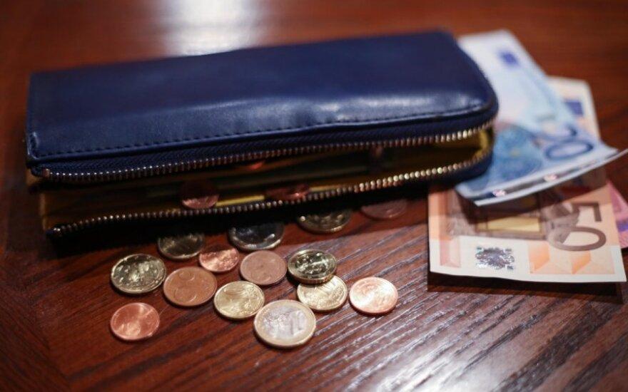 Valstybės tarnautoja neįsivaizduoja, kaip žmonės išgyvena už mažesnę algą