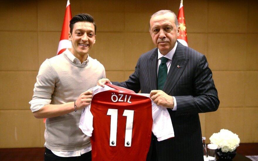 Recepas Tayyipas Erdoganas ir Mesutas Ozilas