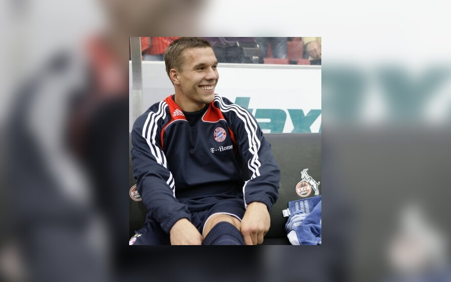 L.Podolski sutiktų keltis į Angliją ar Italiją