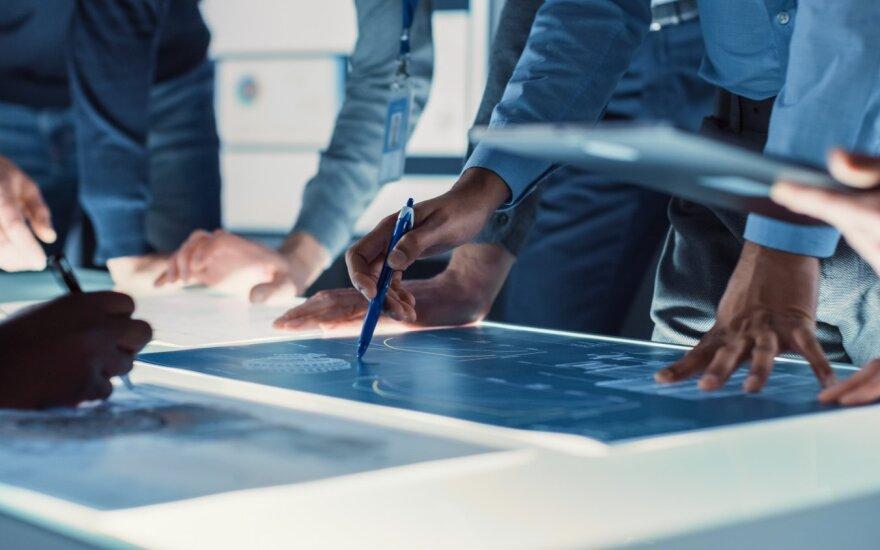 Nauja profesija jau patenka į sparčiausiai augančiųjų dešimtuką – atlyginimas gali siekti 4000 Eur po mokesčių