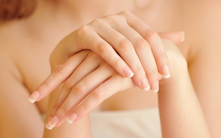 Natūralios kaukės rankoms: raukšlių neliks per 15 min.