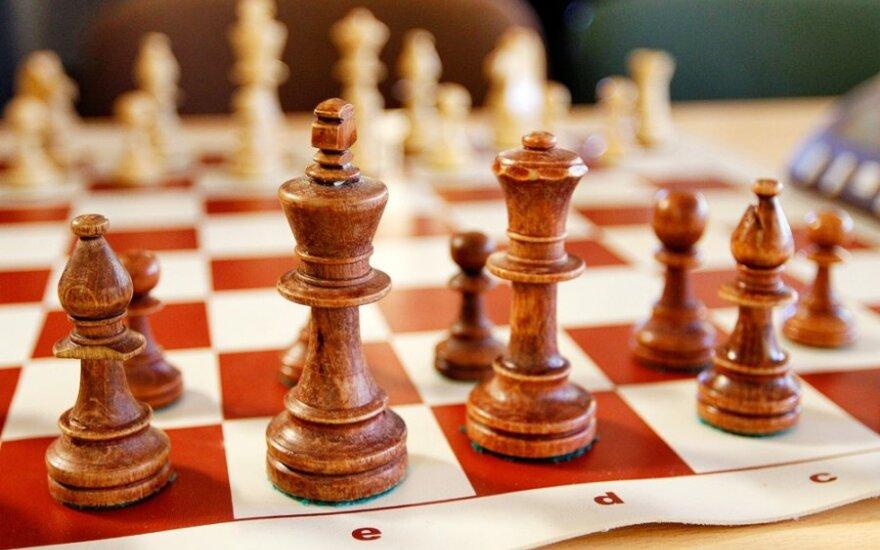 Lietuvos vyrų šachmatų rinktinė pralaimėjo serbams, o moterų komanda - latvėms