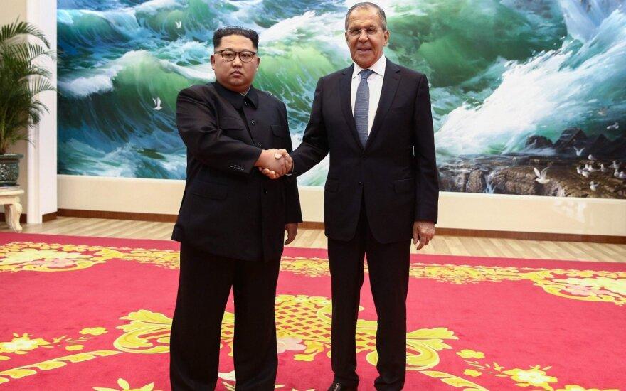 Šiaurės Korėjos diktatorius įgėlė JAV ir aukštino Putiną