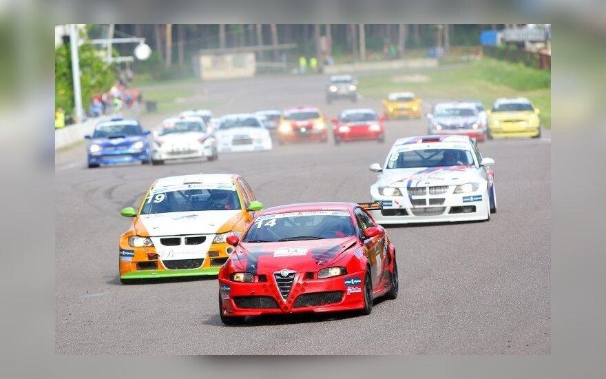 Automobilių lenktynės Bikerniekų trasoje