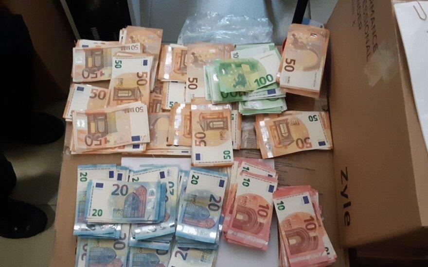 FNTT kratos kompiuterine technika prekiaujančioje įmonėje: juodoji buhalterija ir nuslėpti 222 tūkst. eurų mokesčių