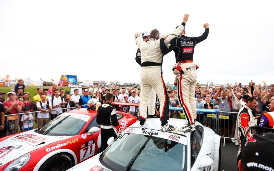 "Atkakliose 1006 km lenktynėse Palangoje – trigubas ""Porsche"" triumfas ir rekordas"