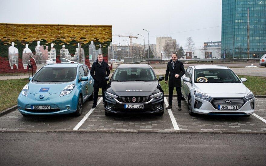 """""""Top Gear Lietuva"""" bando tris automobilius"""