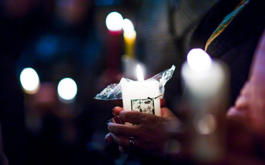 Kraupi naktis Žemaitijoje: po automobilių kaktomušos užgeso vaiko gyvybė, dar 4 žmonės sužaloti