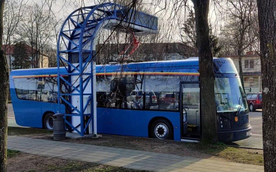 Klaipėdos šviesų festivalio metu – nemokamas viešasis transportas: traukiniu atvykusius pasitiks elektriniai autobusai