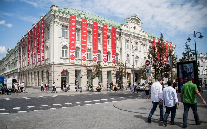 """Vilniaus centre atidarytas prekybos centras """"G9"""" – pasižvalgykite"""