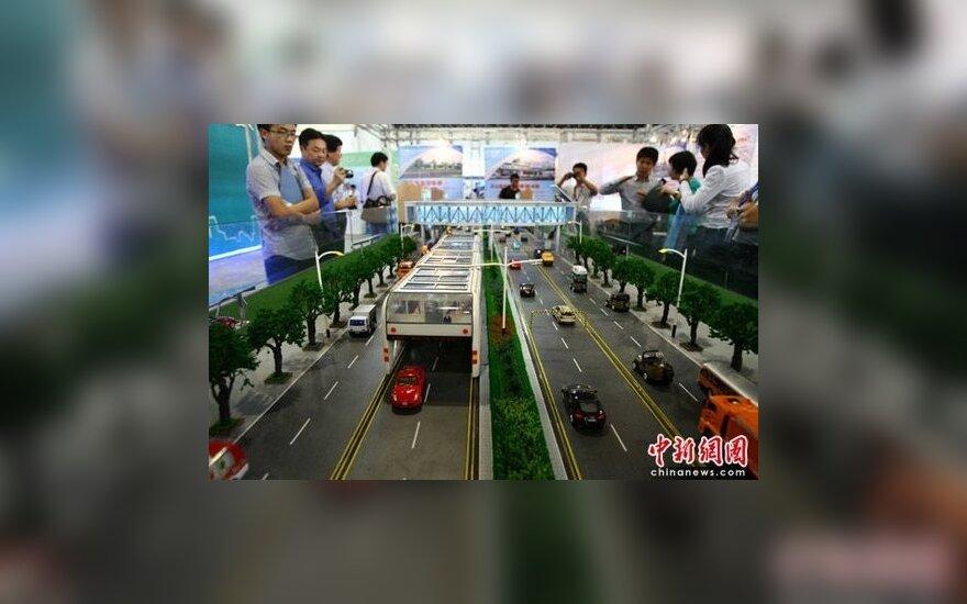 Kinija gamins autobusus, po kuriais gali pravažiuoti automobiliai