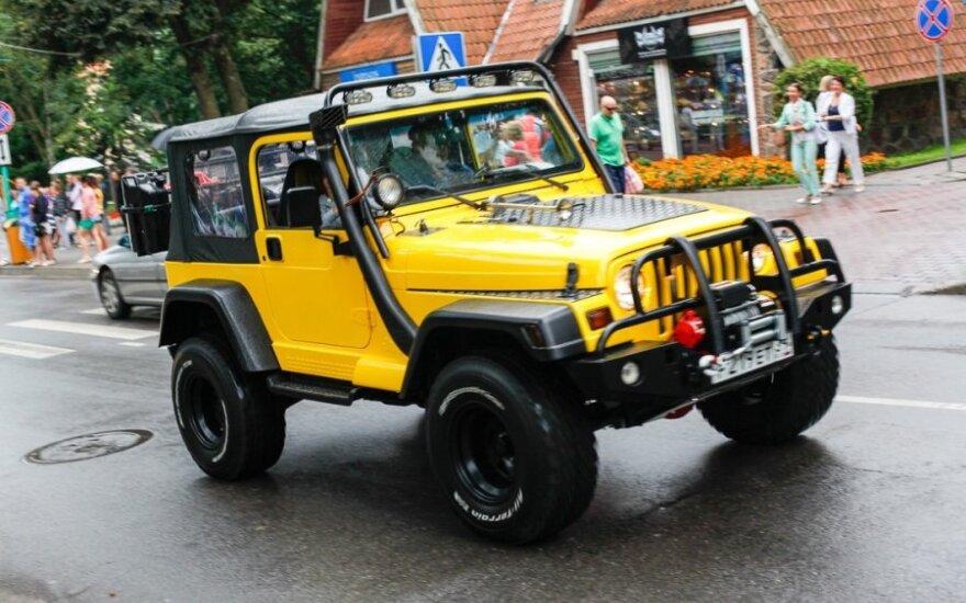 Amerikietiškų automobilių paradas Palangoje