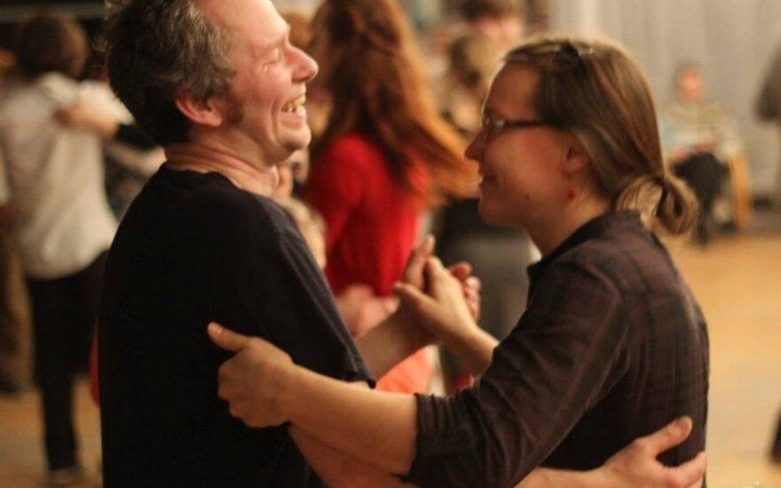 14 val. trukusia šokių naktimi buvo sutiktas pavasaris