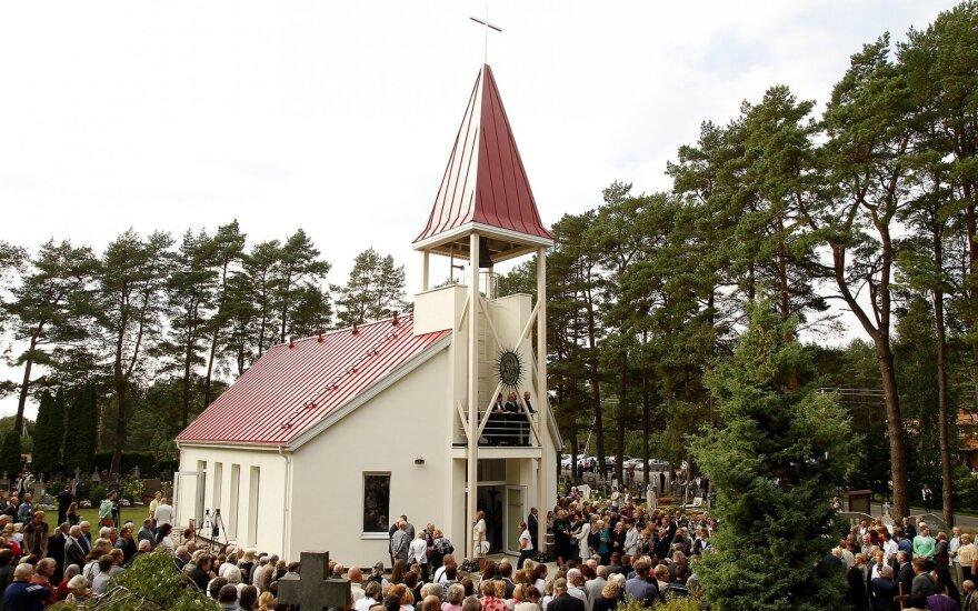 Atstatytos Paštuvos šv. Barboros bažnyčios atidarymas