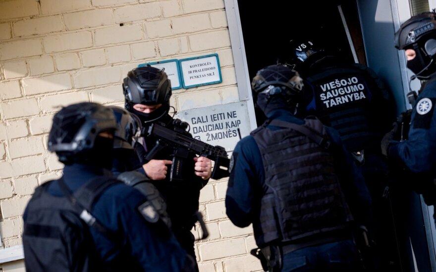 Pravieniškių kaliniai toliau lėbauja: šventėms pasirūpino narkotikų ir alkoholio
