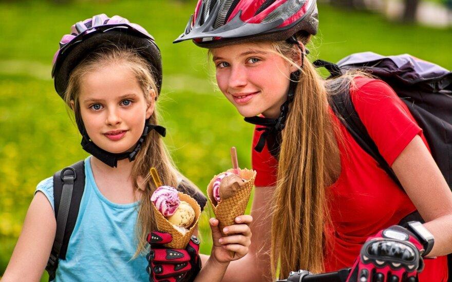 Sportuojančios mergaitės
