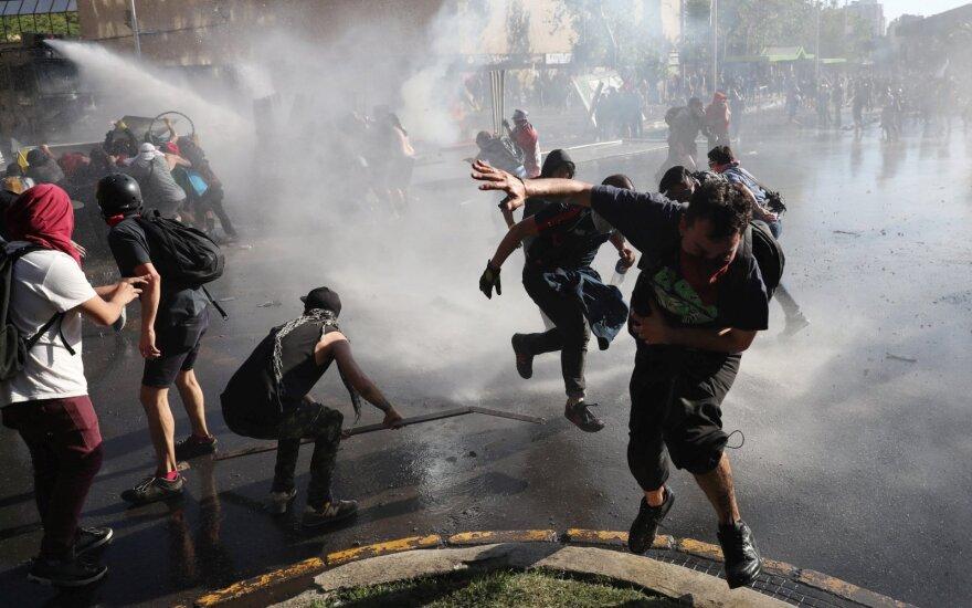 Čilėje per protestus žuvusių žmonių skaičius išaugo iki 15