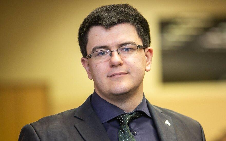 Vytautas Sinica. Kaip iš Toliato pavyzdį darė