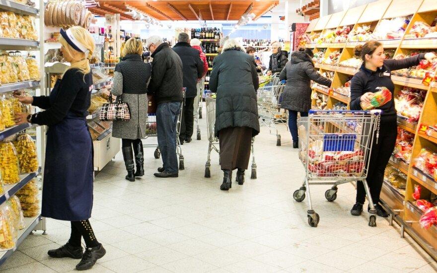 Ekonomistas pripažino: priežasčių, kodėl turėtų mažėti kainos – tikrai nėra