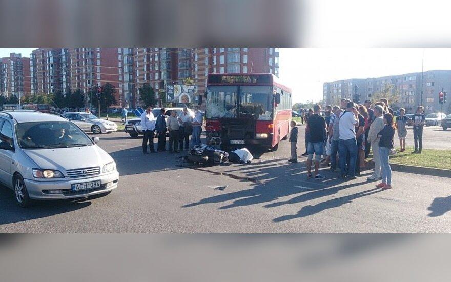 Klaipėdos gatvėse antra mirtis per dieną - žuvo su autobusu susidūręs motociklininkas