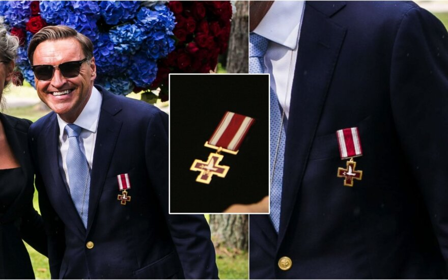 Žilvinas Grigaitis su Žūvančiųjų gelbėjimo kryžiumi