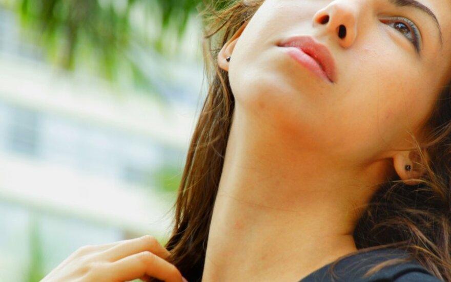 4 kūno vietos, kurių laikas labiausiai negaili: kaip sustabdyti senėjimą