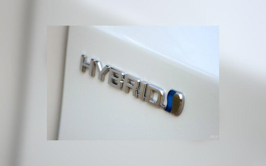 Hibridiniai automobiliai po dešimtmečio bus populiaresni už benzininius